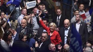 La candidate à la présidentielle Marine Le Pen lors de son meeting au Zénith de Lille (Nord), dimanche 26 mars 2017. (ALAIN JOCARD / AFP)