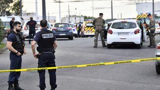 L'attaque au couteau s'est produite dimanche 1er septembre dans l'après-midià proximité de la gare routière Laurent-Bonnevay, à Villeurbanne, dans la banlieue de Lyon. (PHILIPPE DESMAZES / AFP)