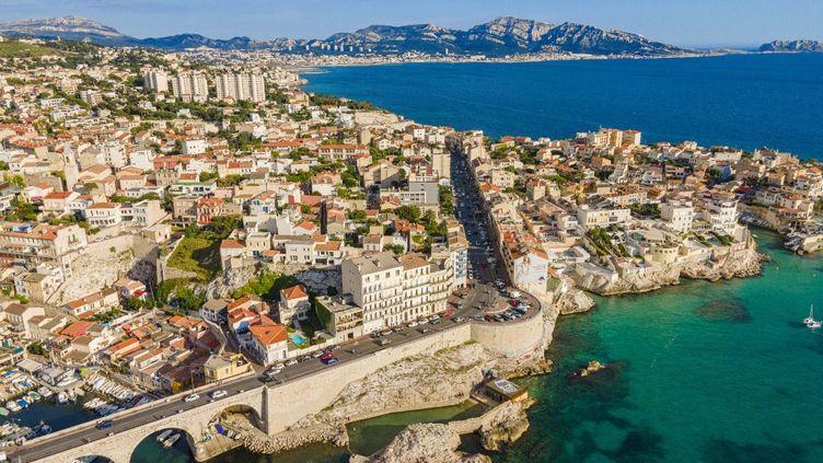 Une vue aérienne des quartiers sud de Marseille (Bouches-du-Rhône), le 3 juin 2021. (GARDEL BERTRAND / HEMIS.FR / AFP)
