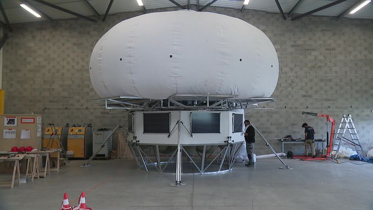 La maison bulle destinée à se poser sur la lune, un prototype développé par l'entreprise grenobloise Sparten Space (France 3 AURA)