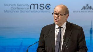 Le ministre de la Défense, Jean-Yves Le Drian, le 12 février 2016 à Munich (Allemagne). (SVEN HOPPE / DPA / AFP)
