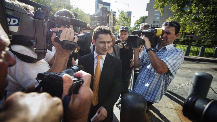 Le Français Fabrice Tourre, ex-trader de la banque Goldman Sachs, arrive au tribunal de Manhattan (New York, Etats-Unis), le 15 juillet 2013, pour la première audience de son procès. ( LUCAS JACKSON / REUTERS )
