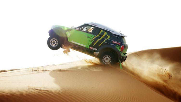 Stéphane Peterhansel (Mini) avale les dunes à haute vitesse (ERIC VARGIOLU / E.V.A.)