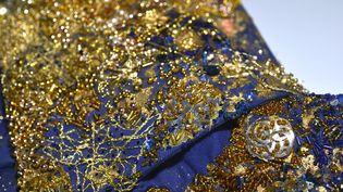 """Brodeuse et créatrice textile, Aurélie Lanoiselée est animée par une énergie, nourrie par le fil, l'aiguille, les étoffes.. L'exposition """"Broderie haute couture"""" retrace chronologiquement son univers créatif.  (Pascal Auvé)"""