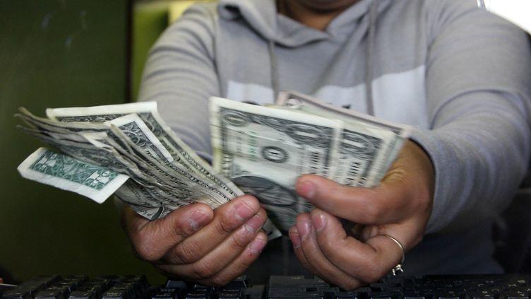 Le trésor de guerre du groupe État islamique est estimé à un milliard d'euros. (HERIKA MARTINEZ / AFP)