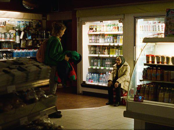 """Saadia Bentaïeb (à droite) dans """"Ghost Tropic"""" (Droits réservés Film Ghost Tropic)"""