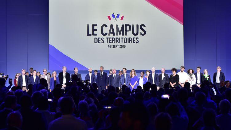 Le gouvernement et les dirigeants de LREM réunis lors du campus du parti, le 8 septembre 2019, à Bordeaux. (GEORGES GOBET / AFP)