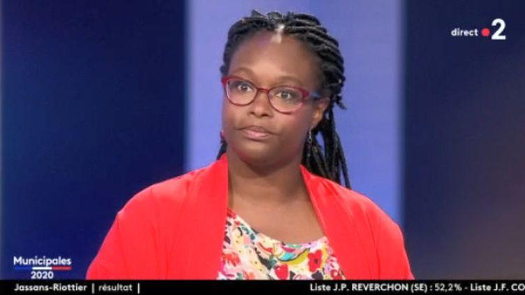 La porte-parole du gouvernement, SIbeth Ndiaye, invitée sur le plateau de France 2 le dimanche 28 juin 2020. (FRANCE 2)