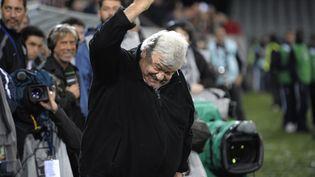 La joie du président de Montpellier, Louis Nicollin, le 20 mai 2012. (JEFF PACHOUD / AFP)