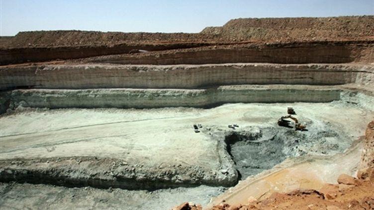 Gisement d'uranium à ciel ouvert à Arlit, dans le nord du Niger, exploité par Areva (AFP / Pierre Verdy)