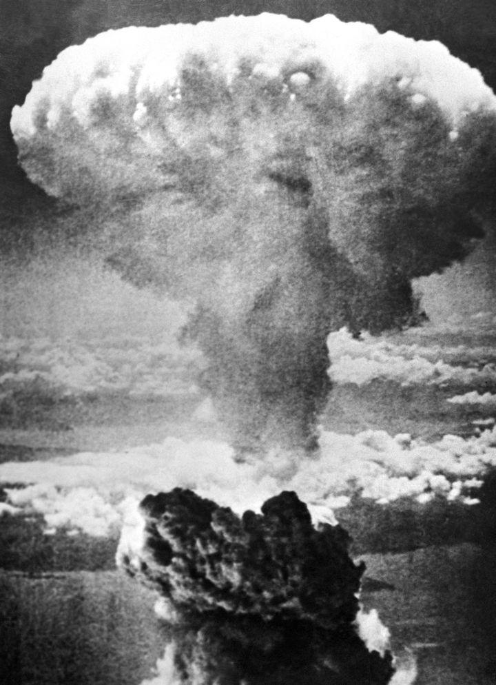 Photo prise le 09 août 1945 de l'explosion nucléaire sur Nagasaki, effectuée par l'armée américaine.  (AFP / INP)