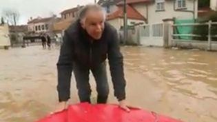 À Condé-Sainte-Libiaire (Seine-et-Marne), les habitants font face aux inondations ce mercredi 24 janvier. Retour sur la situation. (FRANCE 2)