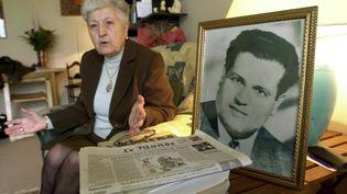 Malika Boumendjel, veuve de l'avocat algérien Ali Boumendjel (en photo), le 5 mai 2001. Elles'exprime sur les conditions du décès de son mari, survenu le 23 mars 1957. (ERIC FEFERBERG / AFP)