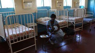 Dans un hôpital à Harare, la capitale du Zimbabwe, le 23 juillet 2011. (TSVANGIRAYI MUKWAZHI/AP/SIPA)