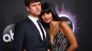 Le chanteur et musicien britannique James Blake et sa compagne, l'actrice et présentatrice télé britannique Jameela Jamil, le 24 novembre 2019 aux American Music Awards à Los Angeles (Etats-Unis). (CHRISTOPHER POLK/VARIETY/REX/SIPA / SHUTTERSTOCK / SIPA)