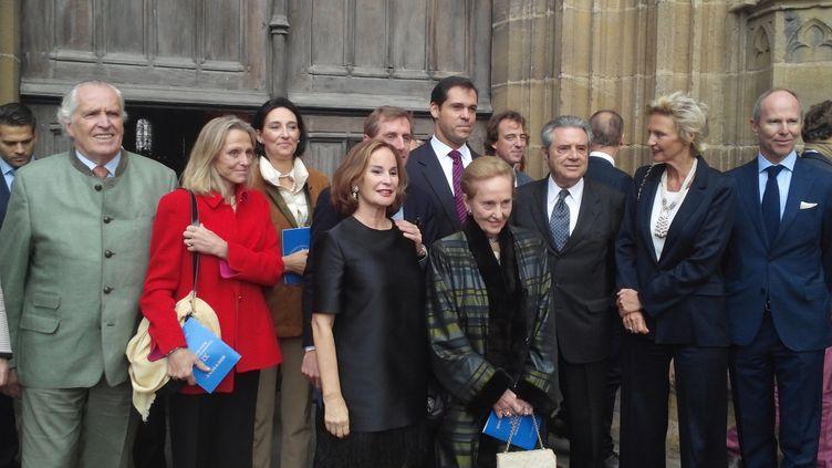 (La famille s'est retrouvée pour un concert à l'église du village, avant une garden-party privée © RADIOFRANCE | Olivier Vidal)