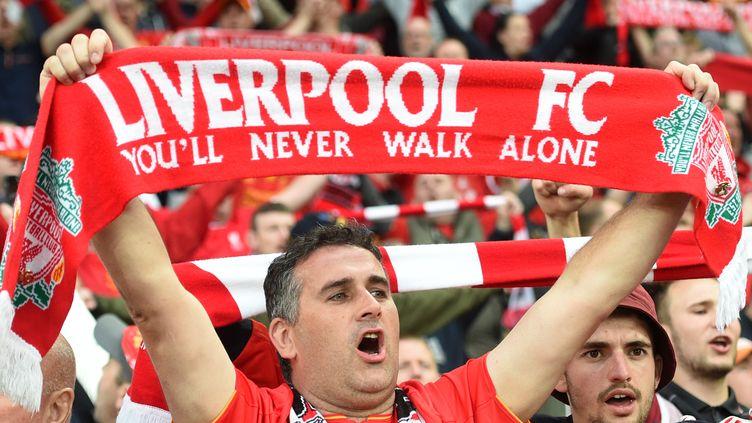 """You'll never walk alone"" est l'un des chants les plus célèbres dans les stades de football.  (SEBASTIEN BOZON / AFP)"