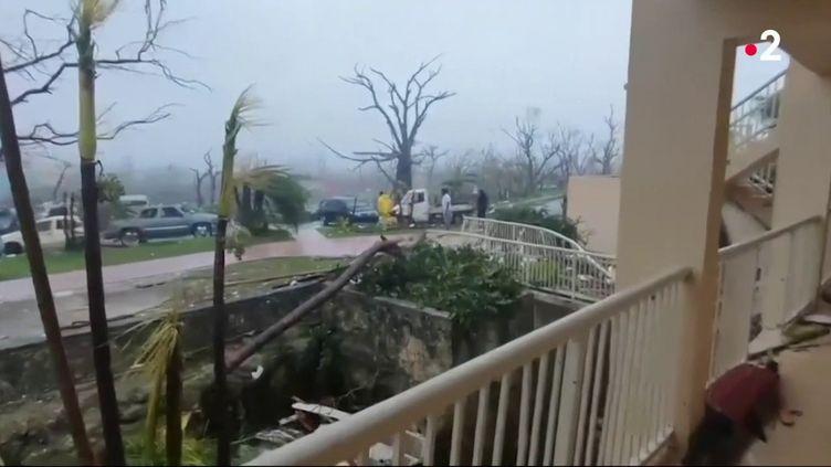 L'archipel a été très durement frappé par cet ouragan de catégorie 5, considéré comme le pire qu'ait jamais connu le pays. (FRANCE 2)