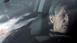 Michel Fourniret lors de son transfert au procès de Charleville-Mézières, le 27 mai 2008. Photo d'illustration. (ALEXANDRE MARCHI / MAXPPP)