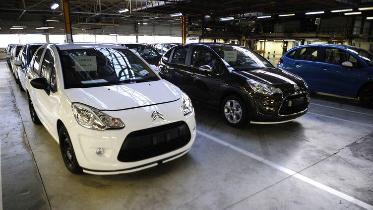 Dans l'usine PSA d'Aulnay-sous-Bois, le 28 janvier 2013. (LIONEL BONAVENTURE / AFP)