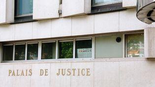 Tribunal de justice où sont regroupés les cours et les tribunaux, à Lille, le14 juin 2014. (SEBASTIEN JARRY / MAXPPP)
