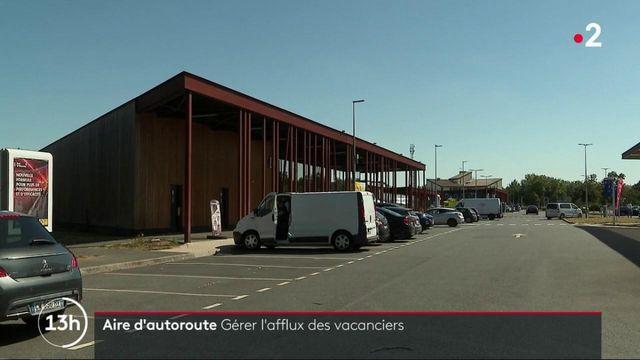 Aires d'autoroute : comment elles gèrent l'afflux des vacanciers