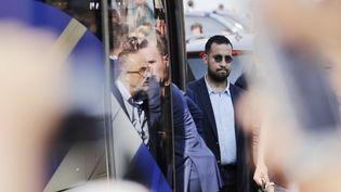 Alexandre Benalla, le 16 juin 2018, à l'aéroport Roissy-Charles de Gaulle. (THOMAS SAMSON / AFP)
