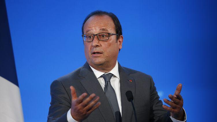 François Hollande dans une école de Pouilly-sur-Serre (Aisne), le 1er septembre 2015. (SIPA)