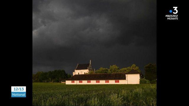 Photographie : un village de Maine-et-Loire et ses habitants immortalisés pendant le confinement