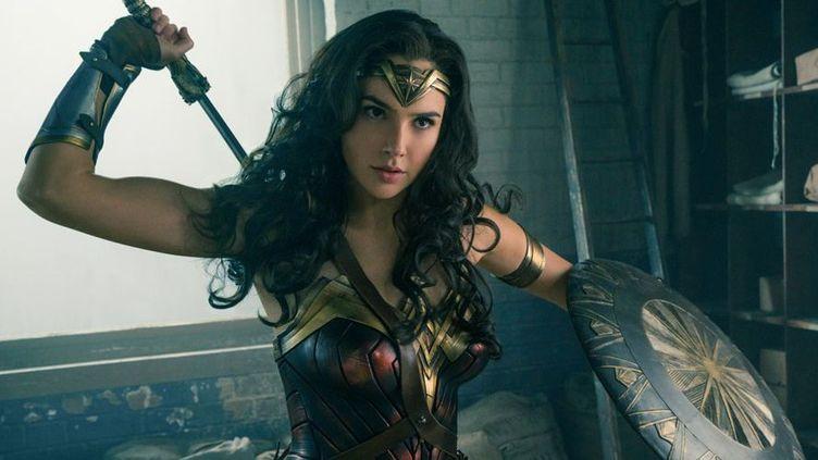 Gal Gadot en Wonder Woman, dans le film de Patty Jenkins  (2016 Warner Bros. Entertainment Inc. and Ratpac-Dune Entertainment LLC / Clay Enos/ TM & (c) DC Comics)