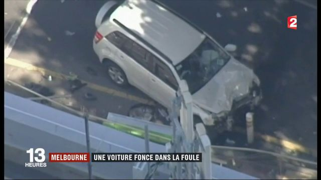 Melbourne : une voiture fonce dans la foule