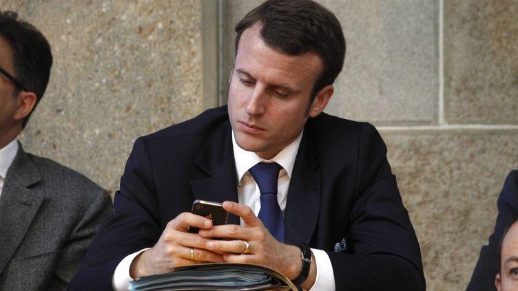 Emmanuel Macron en réunion au CESE à Paris en juillet 2012 (LUDOVIC / SIPA)