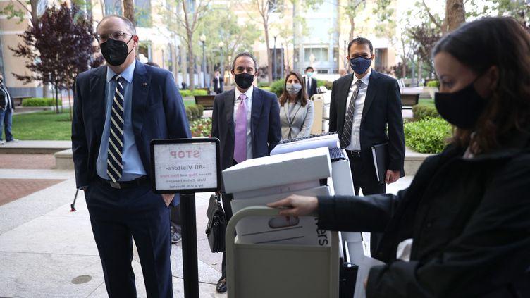 Tim Sweeney, le patron d'Epic Games,arriveau tribunal lorsdu procès qui l'oppose à Apple, le 3 mai 2021à Oakland, en Californie (Etats-unis). (JUSTIN SULLIVAN / AFP)