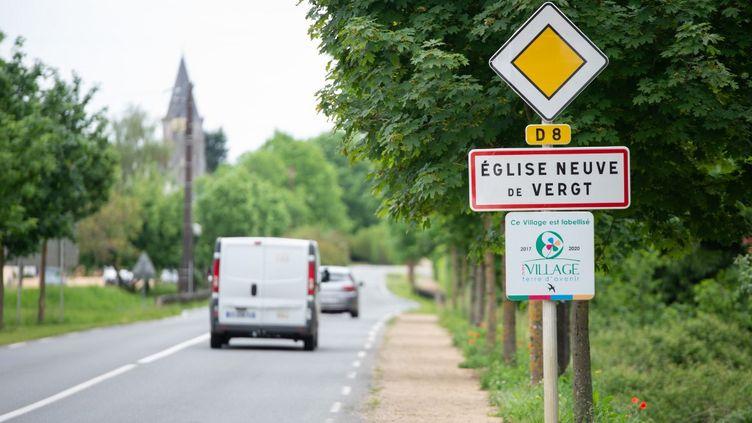 Neuf cas positifs au Covid-19 ont été découverts à la suite d'un enterrement àEglise-Neuve-de-Vergt (Dordogne), le 24 avril 2020. (ROMAIN LONGIERAS / HANS LUCAS / AFP)