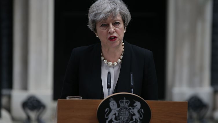 La Première ministre britannique Theresa May s'exprime le 23 mai 2017 à Londres, au lendemain de l'attentat meurtrier de Manchester. (DANIEL LEAL-OLIVAS / AFP)