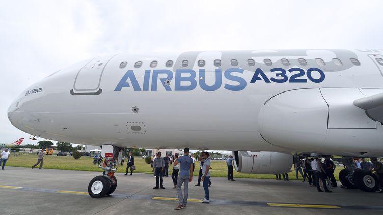Un Airbus A320 au sol, près de Toulouse, le 1 juillet 2014. (ERIC CABANIS / AFP)