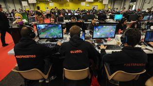 Des joueurs de jeux vidéo réunis à Poitiers, le 16 avril 2017. (AFP)