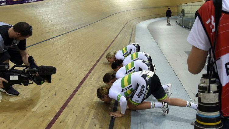 La poursuite par équipes australienne a battu le record du monde de la discipline