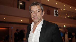 """Michel Cymès, animateur de l'émission """"Les pouvoirs extraordinaires du corps humain"""" sur France 2. (LUDOVIC MARIN / POOL / AFP)"""