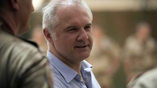 Gilles Huberson, alors ambassadeur au Mali, lors d'une visite ministérielle à Gao (Mali) le 13 juin 2013. (LIONEL BONAVENTURE / AFP)