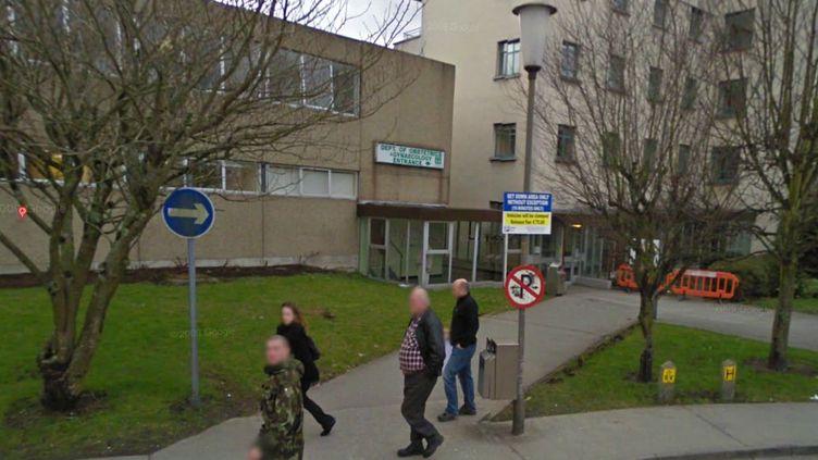 Le Galway Univeristy Hospital, situé en Irlande, où une jeune femme est morte après s'être vu refuser une IVG, fin octobre 2012. (GOOGLE STREET VIEW / FTVI)