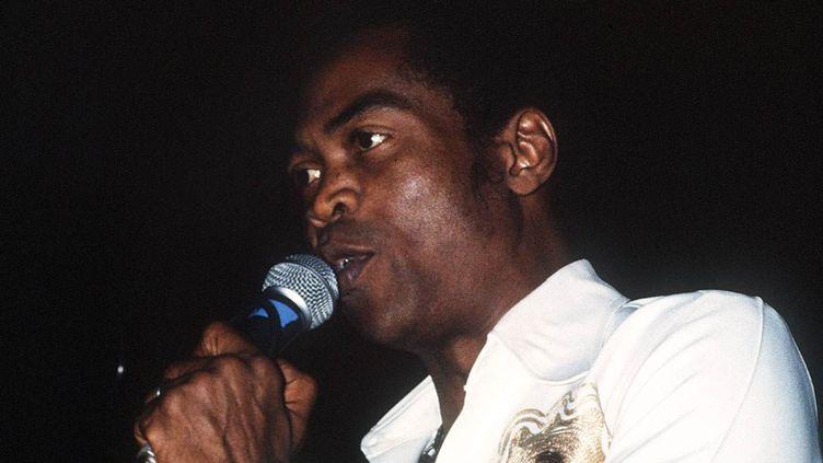 Fela Kuti au Casino de Paris en 1984.  (GOUDENEICHE/SIPA)
