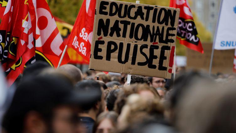 Une manifestation d'enseignants, le 3 octobre 2019 à Bobigny (Seine-Saint-Denis). (THOMAS SAMSON / AFP)