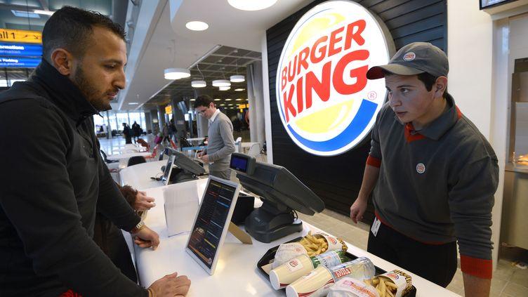 Au restaurant Burger King de Marignane (Bouches-du-Rhône), le 22 décembre 2012. (ANNE-CHRISTINE POUJOULAT / AFP)