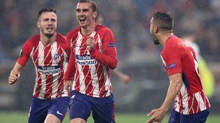 Les joueurs de l'Atlético Madrid, dont Antoine Grizemann au centre, célèbrent leur victoire en finale de la Ligue Europa le 16 mai 2018 à Lyon. (JAN WOITAS / DPA / AFP)