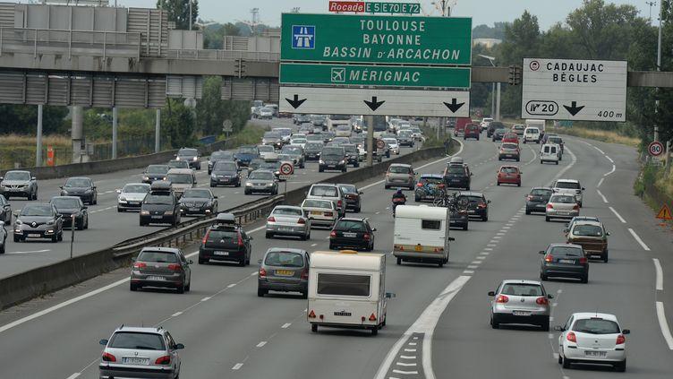 Sur l'autoroute près de Bordeaux, le 2 août 2014. (JEAN PIERRE MULLER / AFP)