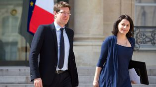 Les ministres écologistes Pascal Canfin et Cécile Duflot, le 17 avril 2013. (BERTRAND LANGLOIS / AFP)