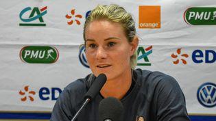 La capitaine de l'équipe de France féminine de football, lors d'une conférence de presse, le 30 août 2020. (ANTOINE MASSINON / A2M SPORT CONSULTING / AFP)