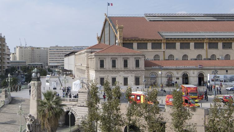 Le groupe Etat islamique a revendiqué l'attaque au couteau qui a eu lieu, dimanche 1er octobre 2017, à la gare de Marseille (Bouches-duRhône), faisant deux mortes. (BERTRAND LANGLOIS / AFP)
