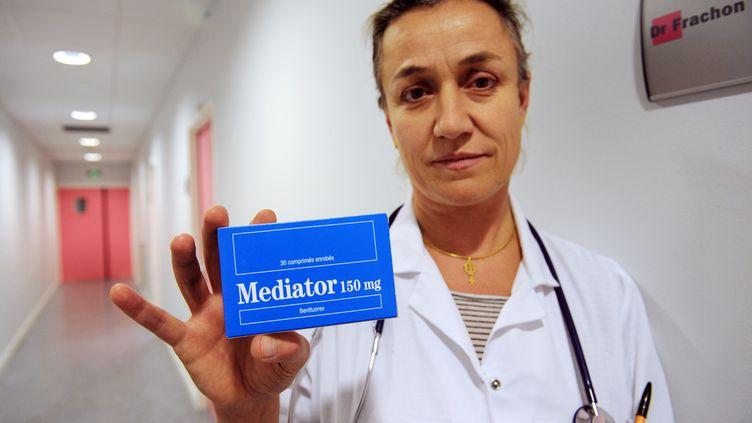 La pneumologue Irène Frachon, à l'origine des révélations sur l'affaire du Mediator, le 18 novembre 2010. (FRED TANNEAU / AFP)